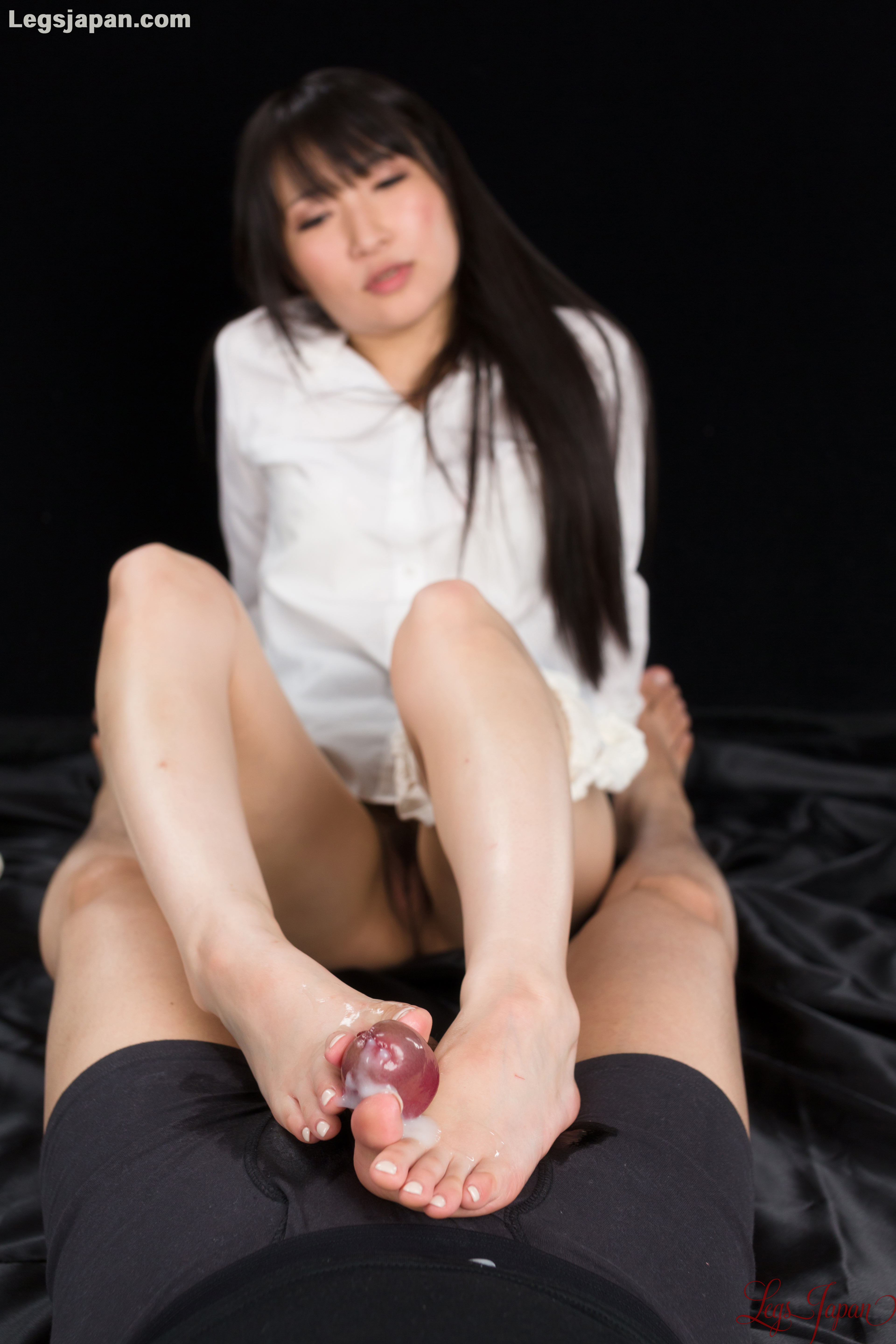 Japanese office footjob