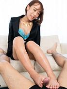 More Nanako Nanahara at Legs Japan