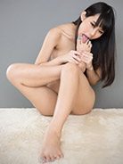 More Kotomi Shinosaki at Legs Japan