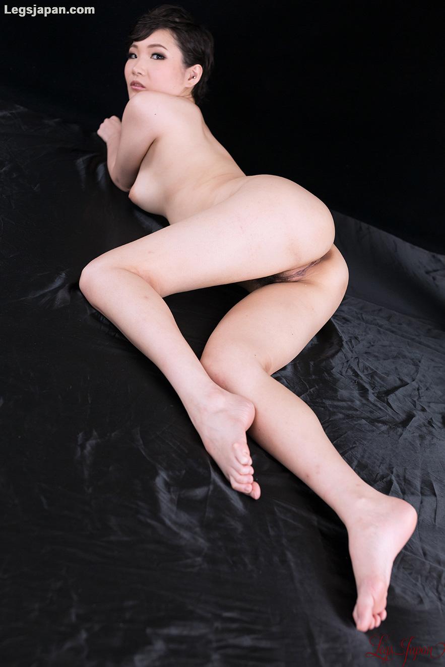 LEGS JAPAN NUDE Akari Misaki · More Sexy Japanese Legs