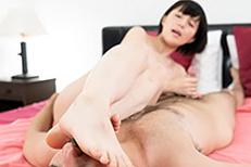 Mari Hirose's Legs