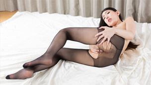 Nylon Ripping Masturbation
