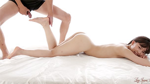 Leg Rub